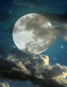full-moon-in-the-starry-sky